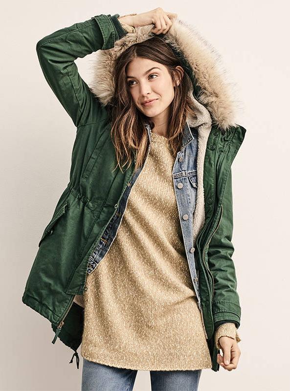 blue-med-skinny-jeans-o-tan-sweater-howtowear-style-fashion-fall-winter-green-olive-jacket-coat-parka-gap-outfit-hairr-weekend.jpg