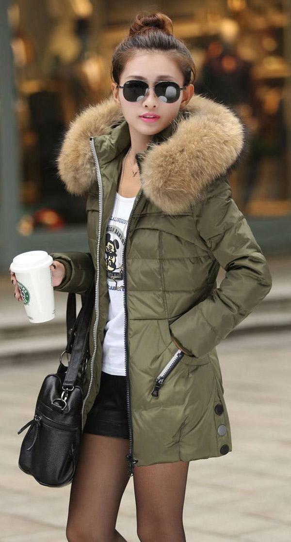 black-shorts-white-tee-puffer-fall-winter-black-tights-black-bag-sun-bun-green-olive-jacket-coat-parka-brun-weekend.jpg
