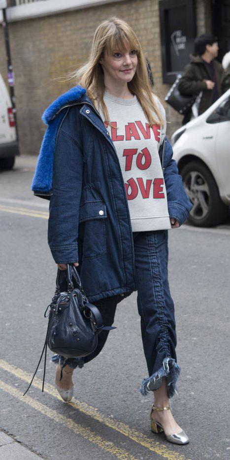 blue-navy-crop-jeans-grayl-sweater-sweatshirt-graphic-blue-bag-blonde-tan-shoe-pumps-blue-navy-jacket-coat-parka-fall-winter-lunch.jpg