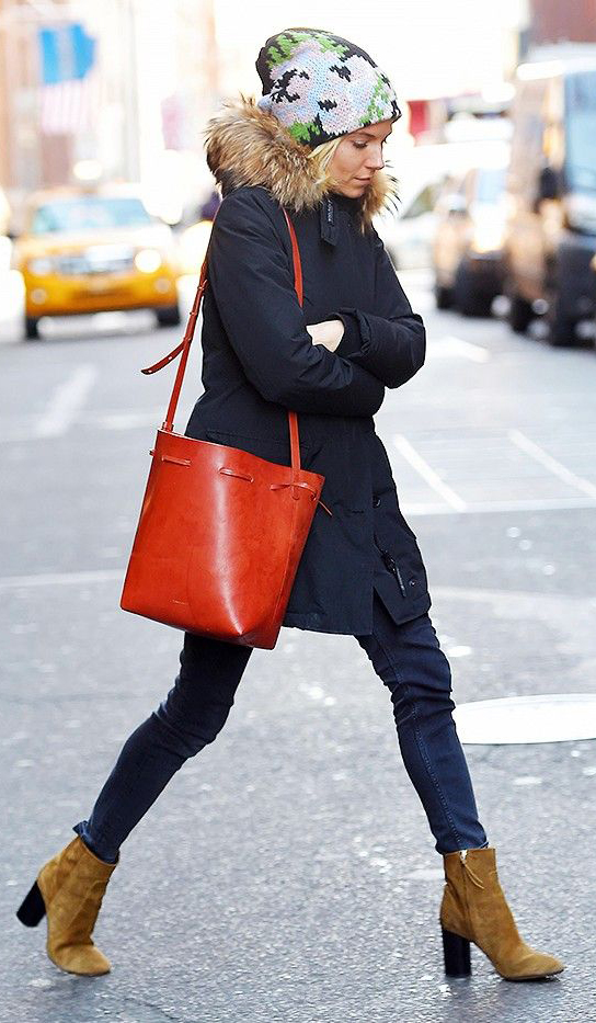 blue-navy-skinny-jeans-blue-navy-jacket-coat-parka-beanie-red-bag-bucket-cognac-shoe-booties-blonde-siennamiller-fall-winter-weekend.jpg