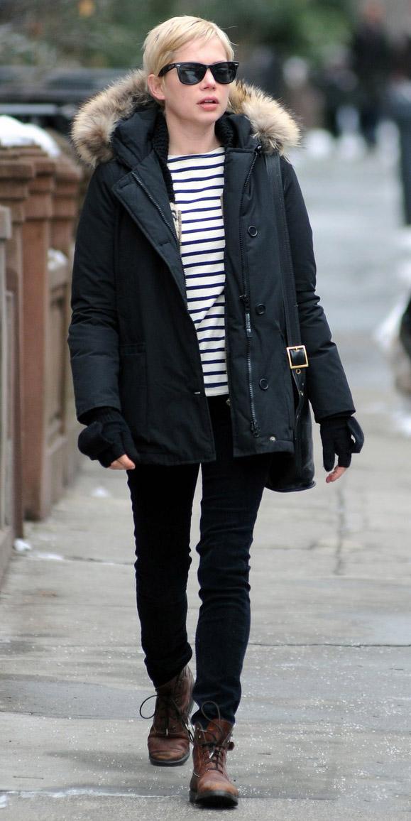 black-skinny-jeans-black-tee-stripe-blonde-sun-brown-shoe-booties-michellewilliams-black-jacket-coat-parka-fall-winter-weekend.jpg