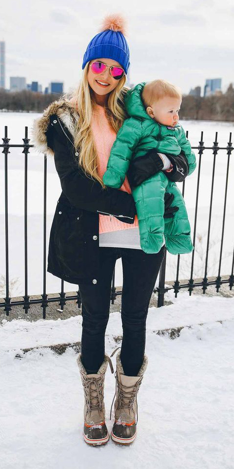 black-skinny-jeans-peach-sweater-blonde-sun-beanie-snow-gloves-tan-shoe-booties-black-jacket-coat-parka-fall-winter-outfit-weekend.jpg