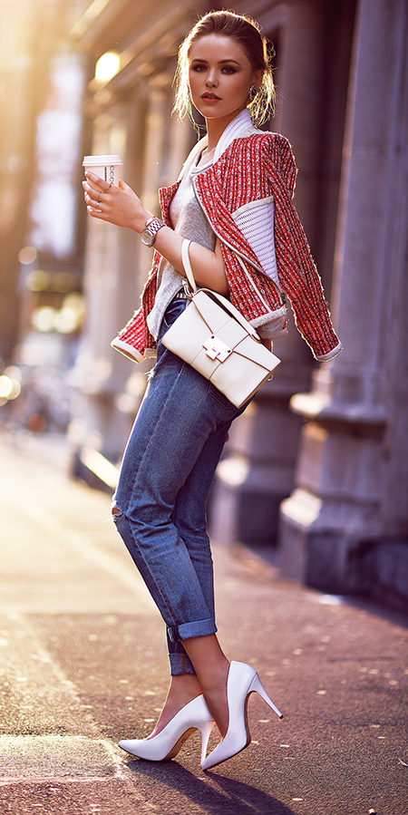 blue-med-skinny-jeans-white-shoe-pumps-blonde-bun-white-bag-clutch-red-jacket-lady-spring-summer-dinner.jpg