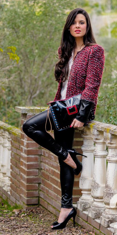 black-skinny-jeans-leather-black-bag-brun-black-shoe-pumps-red-jacket-lady-fall-winter-dinner.jpg
