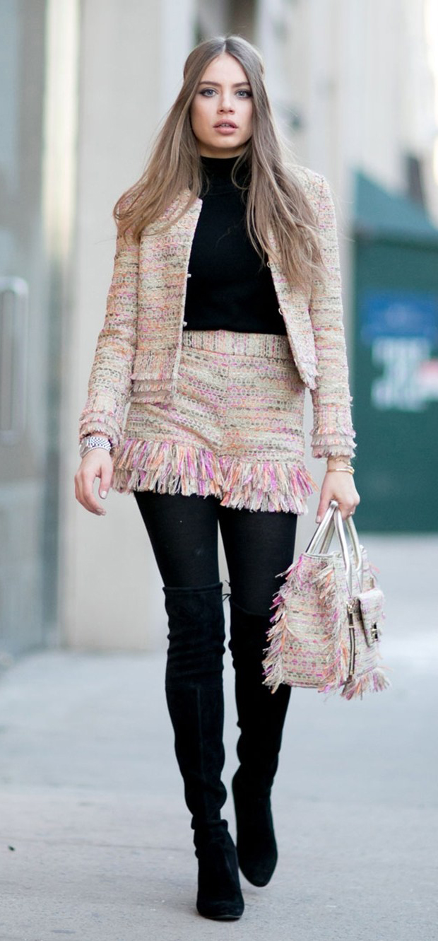 r-pink-light-shorts-black-tee-pink-light-jacket-lady-match-black-tights-black-shoe-boots-pink-bag-howtowear-fashion-style-outfit-fall-winter-boucle-tweed-hairr-dinner.jpg
