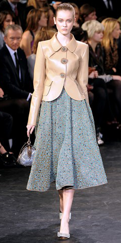 grayl-midi-skirt-o-tan-jacket-lady-pony-wear-outfit-fall-winter-fashionrunway-blonde-lunch.jpg
