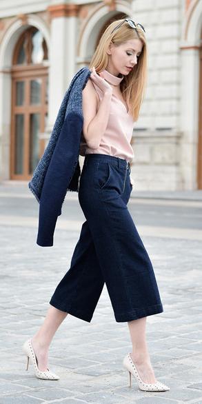 blue-navy-culottes-pants-pink-light-top-blue-navy-jacket-lady-white-shoe-pumps-spring-summer-blonde-work.jpg