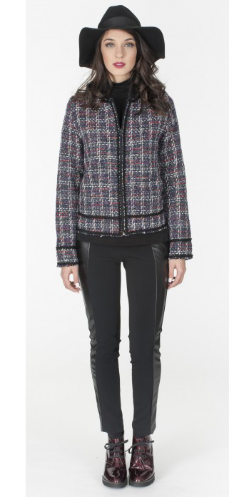 black-slim-pants-burgundy-shoe-booties-tweed-brun-hat-blue-navy-jacket-lady-fall-winter-weekend.jpg