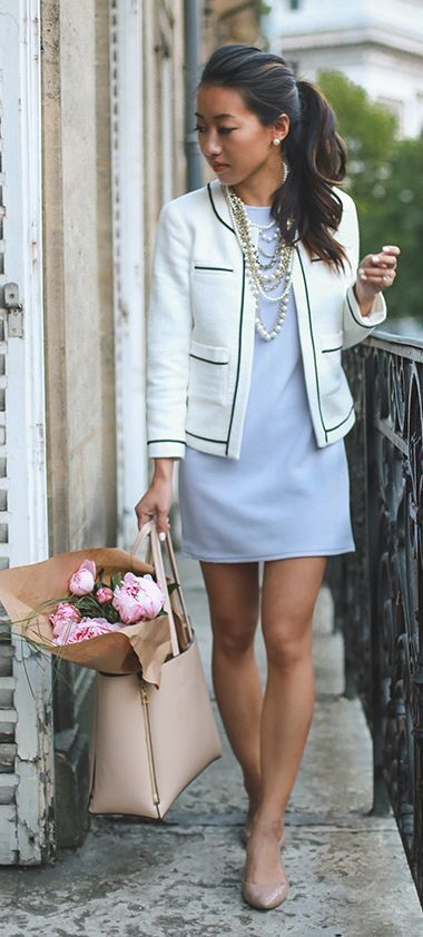 purple-light-dress-mini-pearl-necklace-tan-bag-tote-tan-shoe-flats-brun-pony-white-jacket-lady-spring-summer-work.jpg