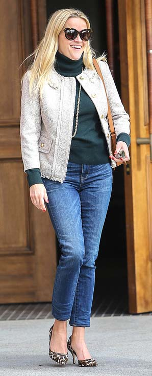 blue-med-skinny-jeans-green-dark-sweater-turtleneck-white-jacket-lady-brown-shoe-pumps-leopard-print-reesewitherspoon-howtowear-style-fall-winter-blonde-work.jpg