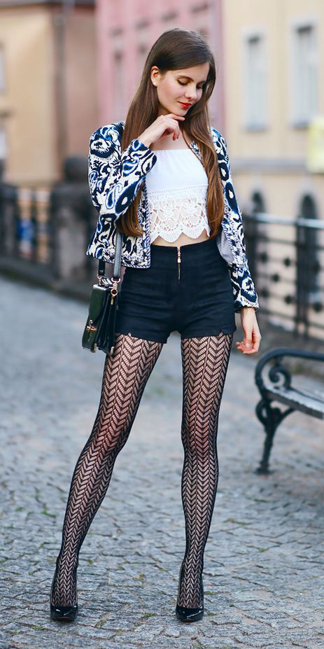black-shorts-white-crop-top-white-jacket-lady-black-tights-black-bag-black-shoe-pumps-hairr-print-fall-winter-lunch.jpg