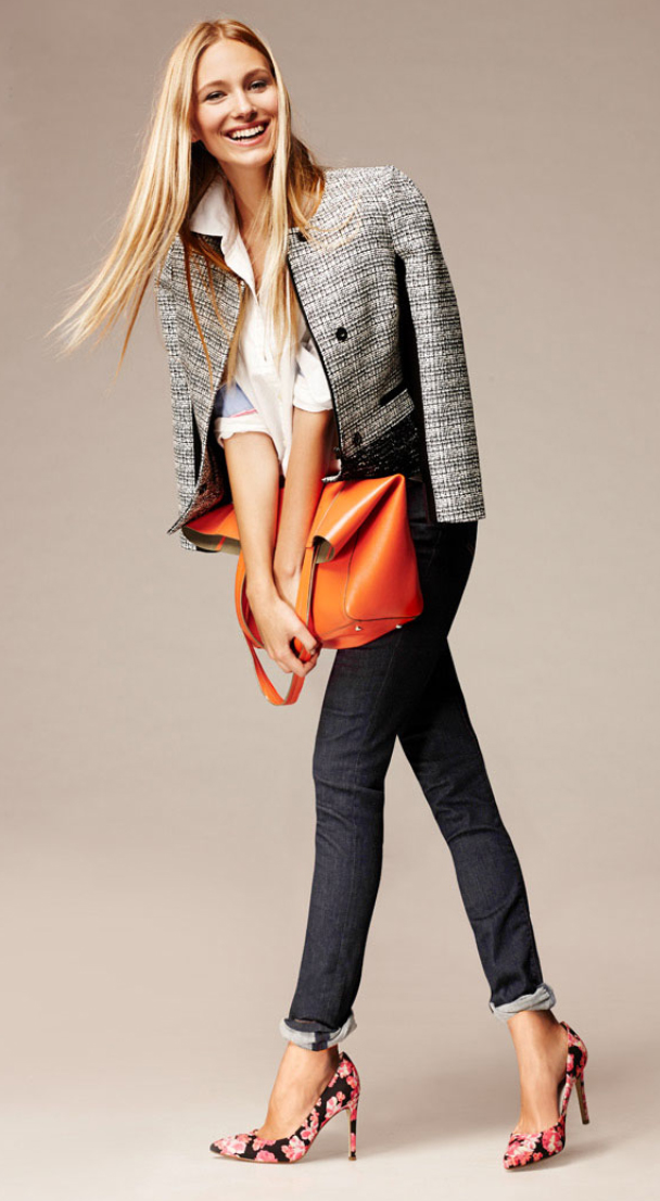blue-navy-skinny-jeans-white-collared-shirt-grayl-jacket-lady-orange-bag-pink-shoe-pumps-floral-howtowear-style-fashion-spring-summer-tweed-blonde-work.jpg