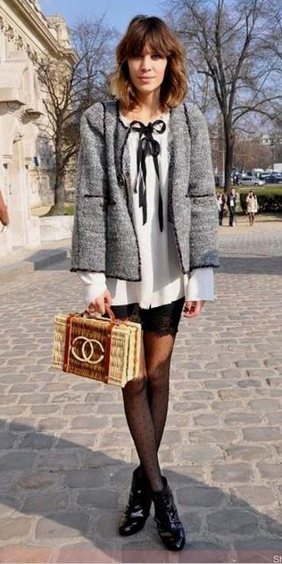 white-top-blouse-black-tights-black-shoe-booties-hairr-alexachung-grayl-jacket-lady-fall-winter-lunch.jpg