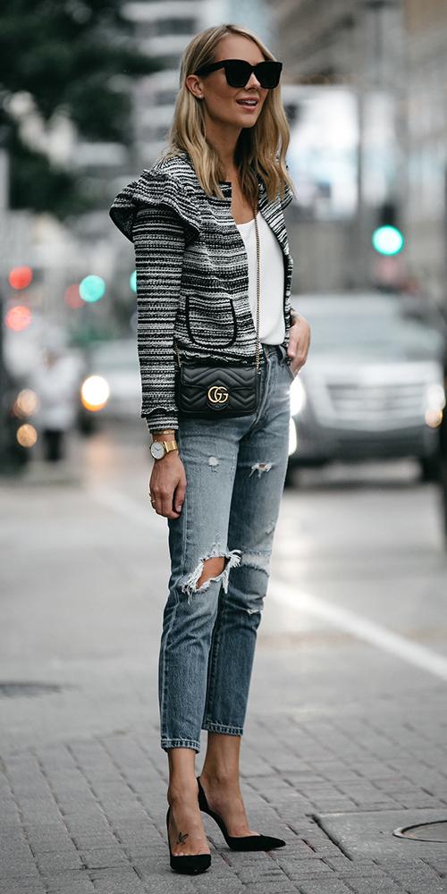 blue-med-skinny-jeans-black-shoe-pumps-black-bag-blonde-sun-black-jacket-lady-fall-winter-lunch.jpg