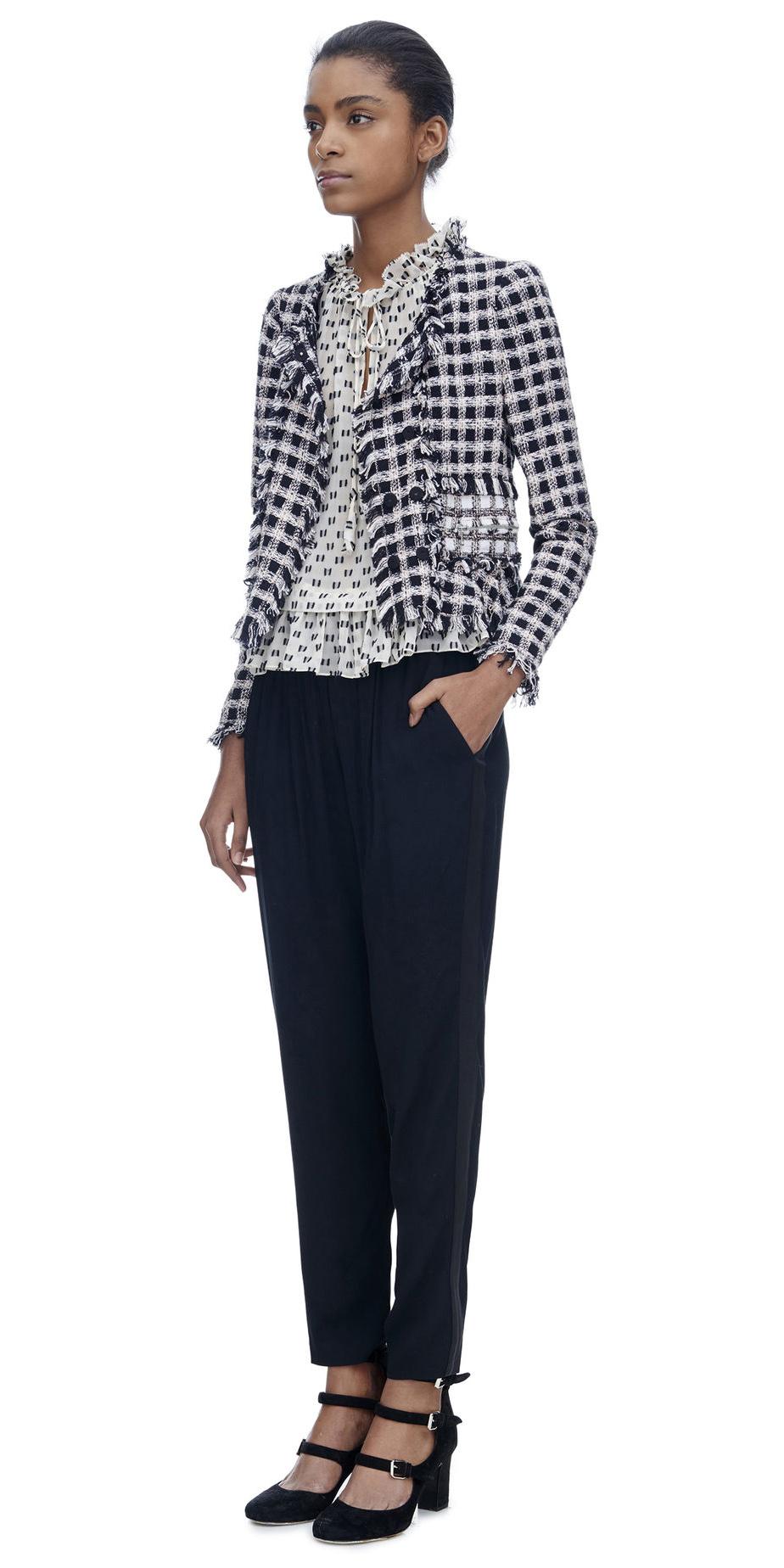 white-top-blouse-print-brun-black-shoe-pumps-black-jacket-lady-fall-winter-lunch.jpg