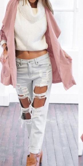 white-boyfriend-jeans-white-sweater-pink-light-jacket-utility-fall-winter-weekend.jpg