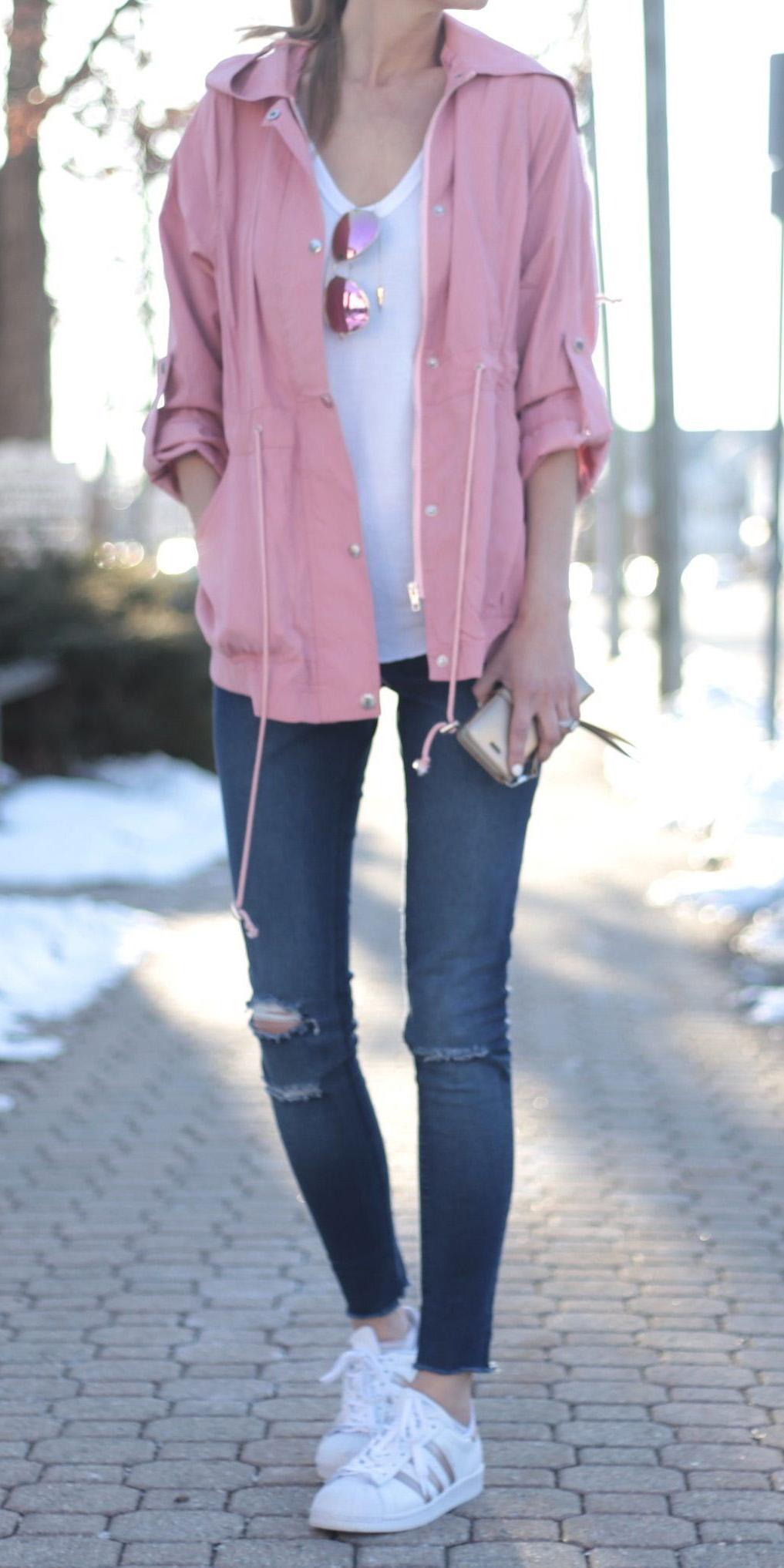blue-navy-skinny-jeans-white-tee-pink-light-jacket-utility-sun-white-shoe-sneakers-spring-summer-weekend.jpg