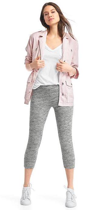 grayl-leggings-white-tee-pink-light-jacket-utility-hairr-white-shoe-sneakers-spring-summer-weekend.jpg