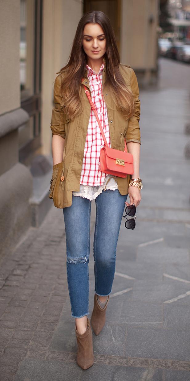 blue-med-skinny-jeans-red-collared-shirt-print-orange-bag-camel-jacket-utility-cognac-shoe-booties-hairr-fall-winter-weekend.jpg