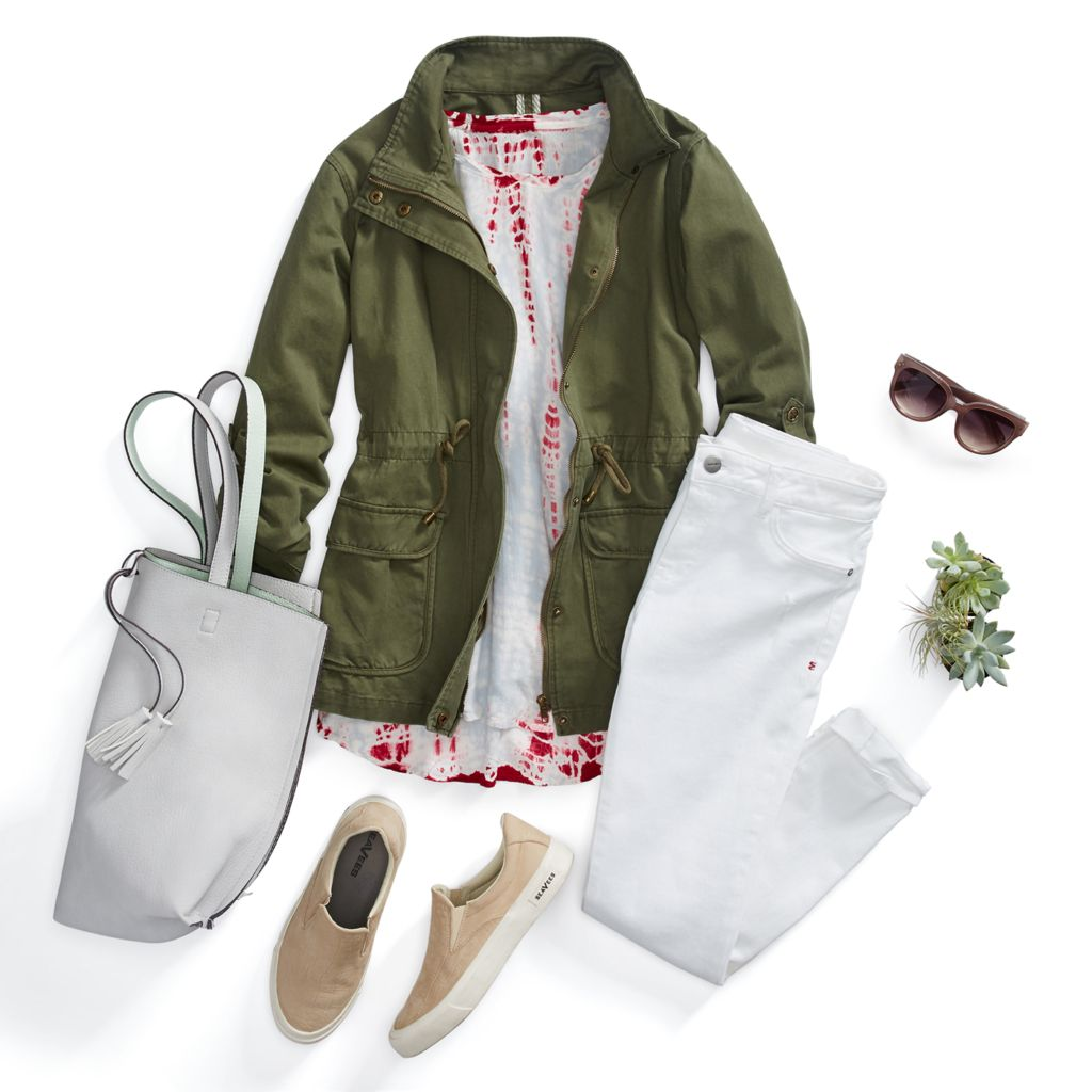 white-skinny-jeans-tan-shoe-sneakers-red-tee-green-olive-jacket-utility-white-bag-sun-camping-spring-summer-weekend.jpg