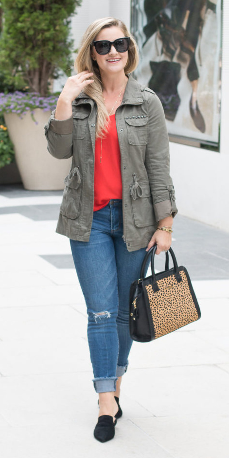 blue-med-skinny-jeans-red-cami-green-olive-jacket-utility-blonde-sun-tan-bag-black-shoe-flats-fall-winter-weekend.jpg