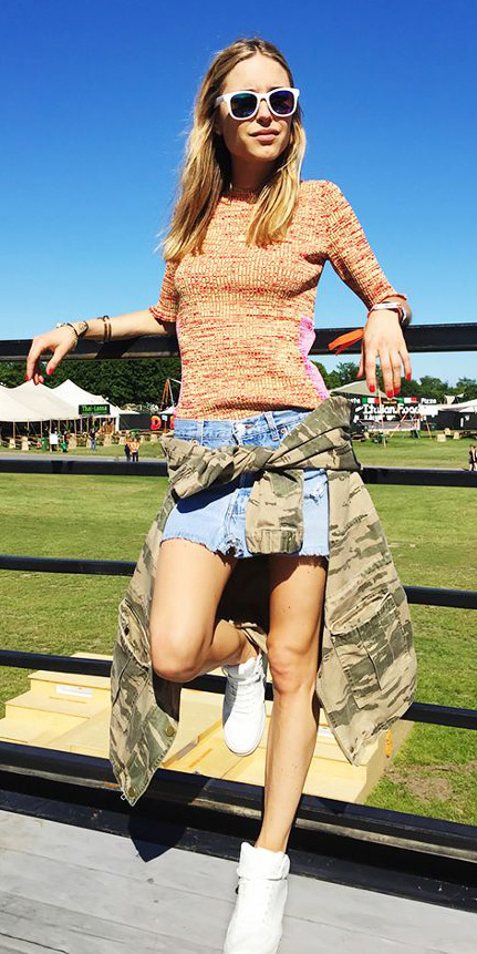 blue-light-mini-skirt-white-shoe-sneakers-peach-sweater-blonde-green-olive-jacket-utility-camo-print-sun-spring-summer-weekend.jpg
