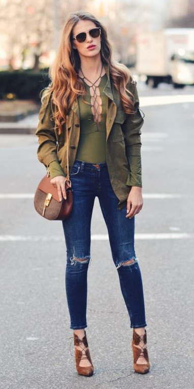 blue-navy-skinny-jeans-green-olive-top-brown-shoe-pumps-brown-bag-hairr-sun-green-olive-jacket-utility-fall-winter-lunch.jpg