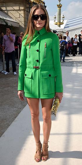 tan-shoe-sandalh-suit-oliviapalermo-green-emerald-jacket-utility-safari-sun-fall-winter-hairr-lunch.jpg