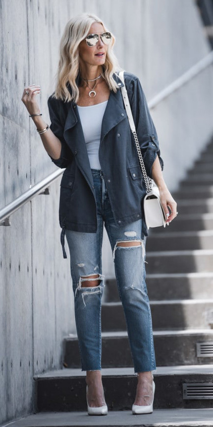 blue-med-skinny-jeans-white-shoe-pumps-white-top-tank-blue-navy-jacket-utility-white-bag-blonde-sun-lob-necklace-spring-summer-lunch.jpg