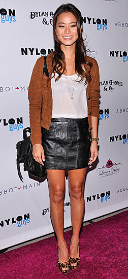 black-mini-skirt-white-tee-camel-cardigan-black-bag-tan-shoe-pumps-leopard-leather-jamiechung-howtowear-fashion-style-outfit-fall-winter-brun-dinner.jpg