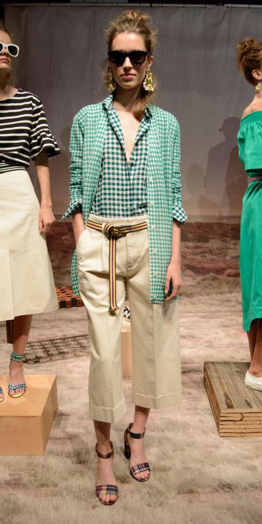 o-tan-culottes-pants-green-emerald-collared-shirt-green-light-cardiganl-belt-bun-sun-hairr-spring-summer-style-fashion-wear-gingham-khaki-jcrew-mix-prints-lunch.jpg
