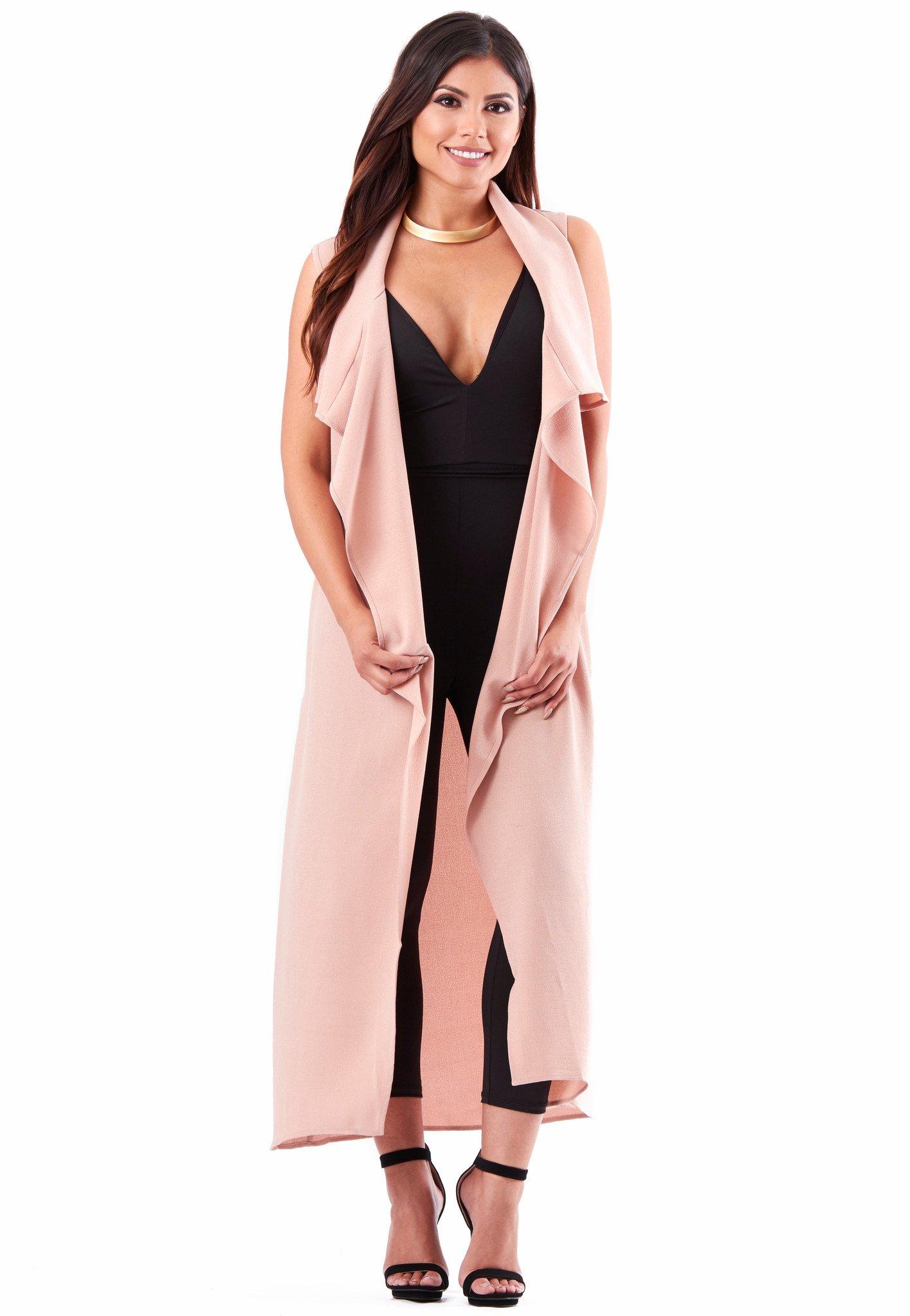 black-jumpsuit-collar-necklace-pink-light-vest-knit-brun-black-shoe-sandalh-spring-summer-dinner.jpg