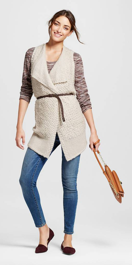 blue-med-skinny-jeans-brown-sweater-howtowear-style-fashion-fall-winter-white-vest-knit-skinny-belt-burgundy-shoe-flats-cognac-bag-bun-brun-lunch.jpg