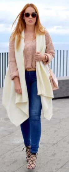blue-med-skinny-jeans-pink-light-sweater-white-vest-knit-tan-bag-blonde-sun-fall-winter-lunch.jpg