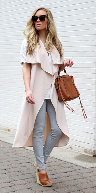 grayl-skinny-jeans-white-tee-blonde-cognac-bag-cognac-shoe-sandalw-white-vest-knit-spring-summer-lunch.jpg