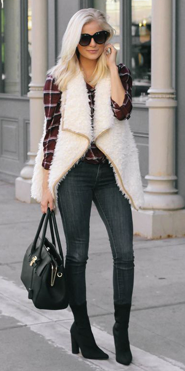 black-skinny-jeans-burgundy-plaid-shirt-white-vest-knit-blonde-black-bag-black-shoe-booties-fall-winter-weekend.jpg