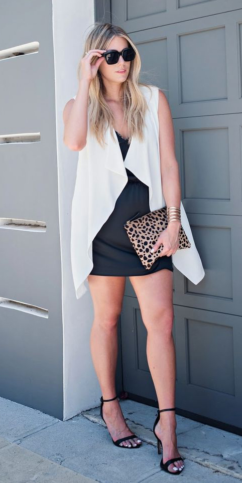 black-mini-skirt-white-vest-knit-blonde-sun-tan-bag-clutch-leopard-print-black-shoe-sandalh-spring-summer-dinner.jpg