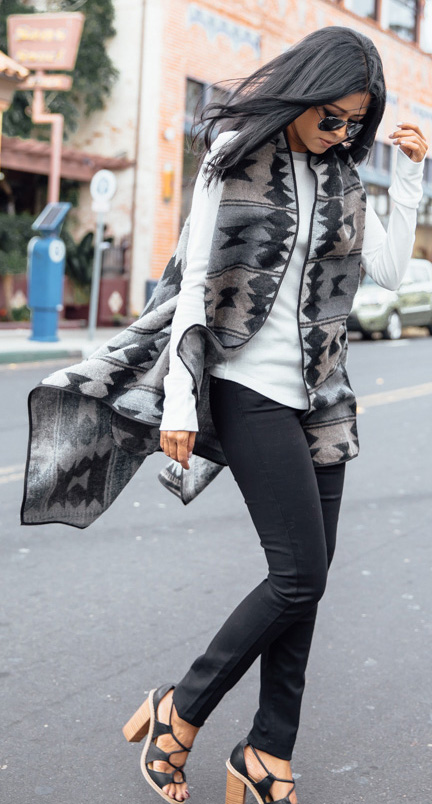 black-skinny-jeans-white-tee-grayl-vest-knit-aztec-print-brun-sun-black-shoe-sandalh-fall-winter-lunch.jpg