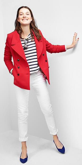 white-skinny-jeans-blue-navy-tee-stripe-red-jacket-coat-blue-shoe-flats-peacoat-style-fashion-fall-winter-hairr-lunch.jpg