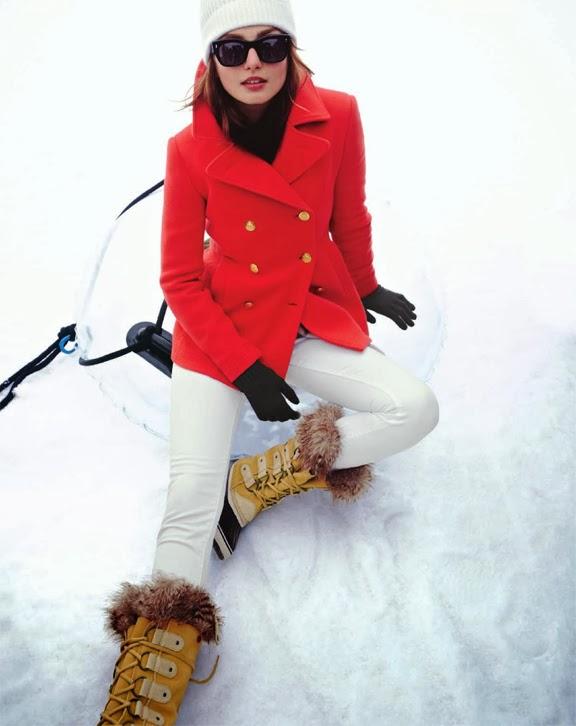 white-skinny-jeans-black-sweater-turtleneck-beanie-sun-hairr-tan-shoe-boots-snow-gloves-red-jacket-coat-peacoat-fall-winter-weekend.jpg