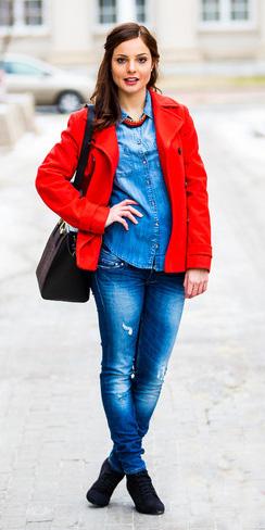 blue-med-skinny-jeans-blue-med-collared-shirt-bib-necklace-hairr-black-shoe-booties-black-bag-red-jacket-coat-peacoat-fall-winter-lunch.jpg