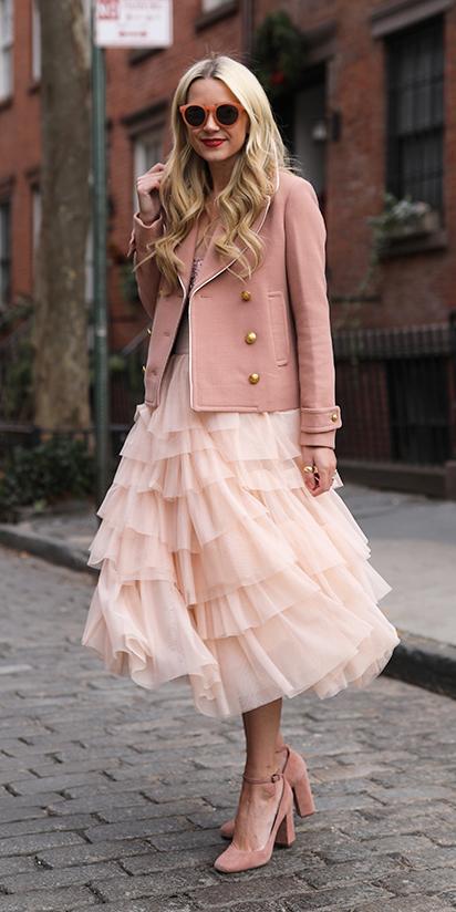 pink-light-midi-skirt-ruffle-mono-blonde-sun-pink-shoe-pumps-pink-light-jacket-coat-peacoat-fall-winter-lunch.jpg