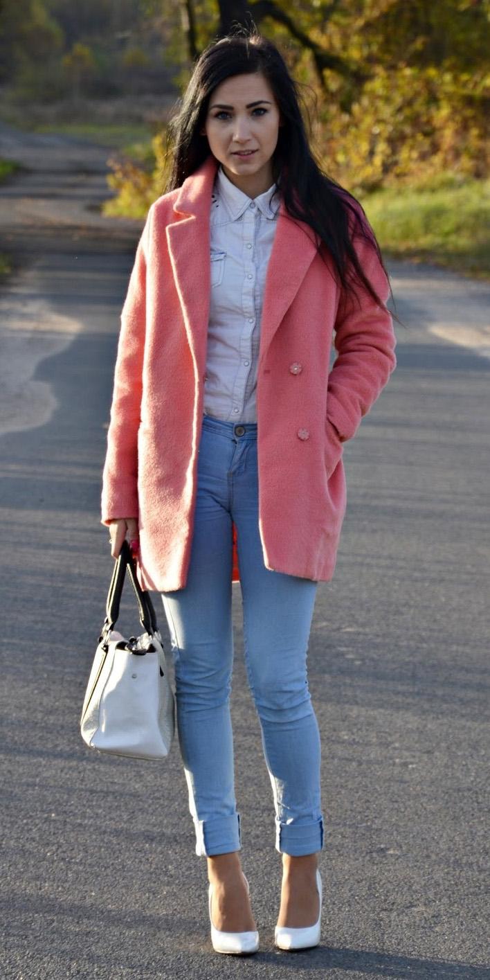 blue-light-skinny-jeans-white-collared-shirt-brun-white-bag-white-shoe-pumps-pink-light-jacket-coat-peacoat-fall-winter-lunch.jpg