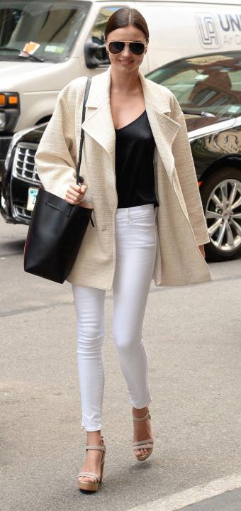 white-skinny-jeans-black-cami-spring-summer-white-jacket-coat-peacoat-sun-bun-black-bag-tan-shoe-sandalw-mirandakerr-hairr-lunch.jpg