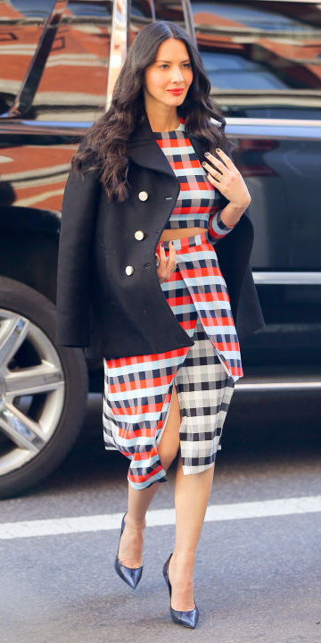 red-pencil-skirt-print-matchset-red-crop-top-oliviamunn-check-print-black-shoe-pumps-brun-black-jacket-coat-peacoat-fall-winter-lunch.jpg