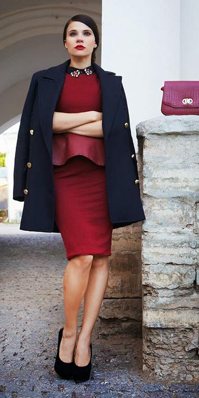 red-dress-bodycon-peplum-brun-bun-red-bag-black-shoe-pumps-black-jacket-coat-peacoat-fall-winter-dinner.jpg