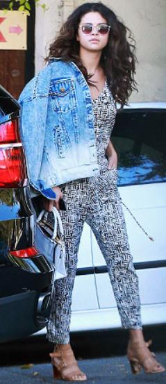 white-jumpsuit-tan-shoe-sandalh-blue-light-jacket-jean-brun-sun-white-bag-hand-spring-summer-wear-fashion-style-selenagomez-print-classic-celebrity-lunch.jpg