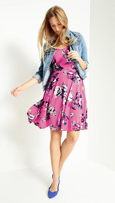 r-pink-magenta-dress-zprint-floral-blue-light-jacket-jean-blue-shoe-pumps-wear-style-fashion-spring-summer-aline-hairr-lunch.jpg