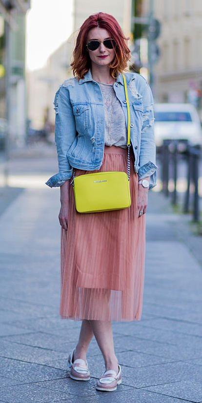 peach-midi-skirt-yellow-bag-grayl-tee-blue-light-jacket-jean-hairr-sun-tan-shoe-loafers-spring-summer-weekend.jpg