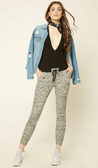 grayl-joggers-pants-black-top-bodysuit-blue-light-jacket-jean-white-shoe-sneakers-wear-style-fashion-spring-summer-hairr-black-scarf-neck-bandana-weekend.jpg